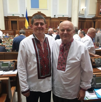День Вишиванки: політики похвалились традиційними українськими сорочками – фото