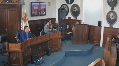 Перевізники відмовляються заходити до сесійної зали для зустрічі з мером Чернівців