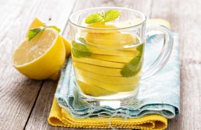 7 випадків, коли варто пити воду з лимоном