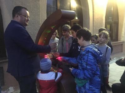 У Чернівцях на Кобилянській відкрили лазерну арфу - фото