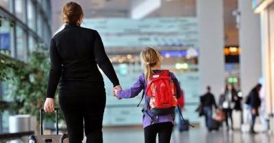 За кордон можна і без згоди когось із батьків: нові правила