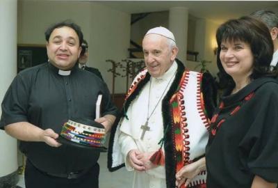 Папа Римський привітав зі срібним весіллям подружжя священика з Чернівців - фото