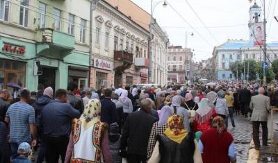 За Єдину українську церкву у Чернівцях молилися і дорослі, і діти (ФОТО)