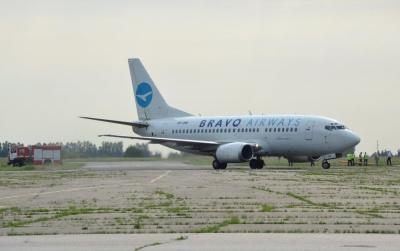 П'яний курив у літаку: у Чернівцях поліція оштрафувала пасажира