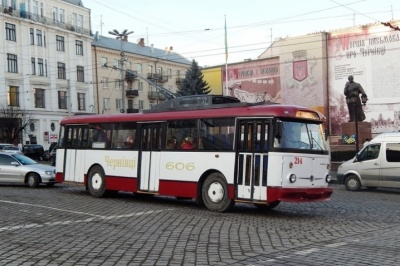 У Чернівцях обговорять зміну тарифів на проїзд у тролейбусах