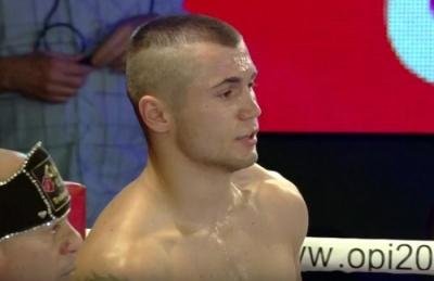 Боксер із Буковини нокаутом переміг суперника в Італії