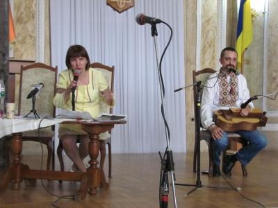 Кібернетик та вчитель іноземних мов у Чернівцях стали кобзарями - фото