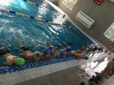 У Чернівцях школярів влітку вчитимуть плаванню