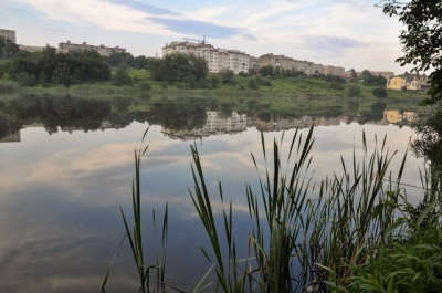 Хотів переплисти озеро: у Чернівцях потонув юнак
