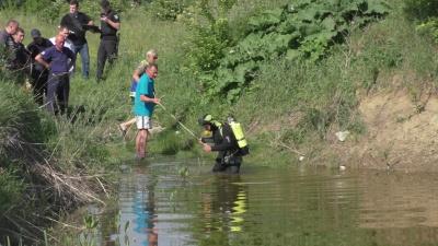 Допомога не встигла: рятувальники розповіли подробиці загибелі двох дітей на озері у Чернівцях