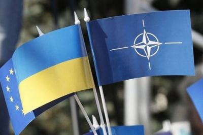 Угорщина зажадала перегляду політики НАТО щодо України