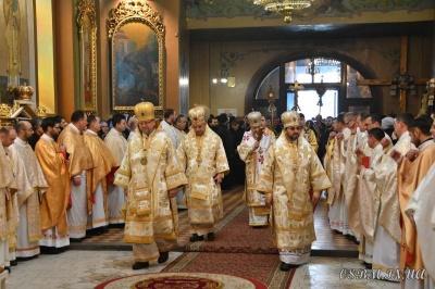 День Святої Трійці: стало відомо, коли відбудуться святкові богослужіння у головних храмах Чернівців
