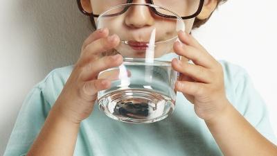 Знайшли відхилення від норми: епідеміологи перевірили воду, яку п'ють буковинці