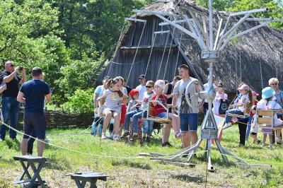 Дитячі майстер-класи, прикордонний квадроцикл та запальний концерт: тисячі чернівчан відвідали фестиваль «Обнова-фест» (ФОТО)