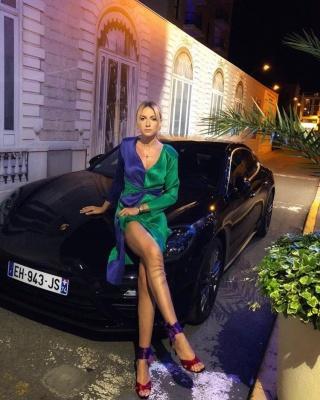 Українська ведуча Леся Нікітюк похизувалася вікендом у Каннах - фото