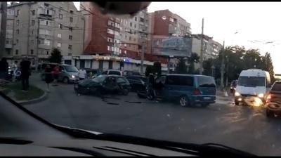 ДТП на Головній: є постраждалі - відео