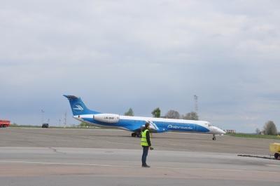 """На злітну смугу аеропорту """"Чернівці"""" потрібно 500 млн грн, - Каспрук"""
