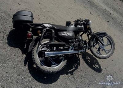 Не впорався з керуванням на гравійній дорозі: на Буковині загинув мотоцикліст