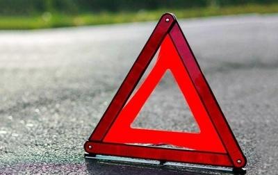 У Києві на переході автівка збила неповнолітнього велосипедиста