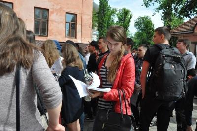ЗНО-2018: на Буковині сьогодні випускники здавали англійську мову