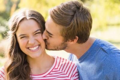 Вчені розповіли, чи насправді існує кохання з першого погляду