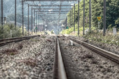 На Полтавщині потяг на смерть збив хлопця та дівчину
