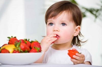 З якого віку та які ягоди можна давати малюкам: перелік