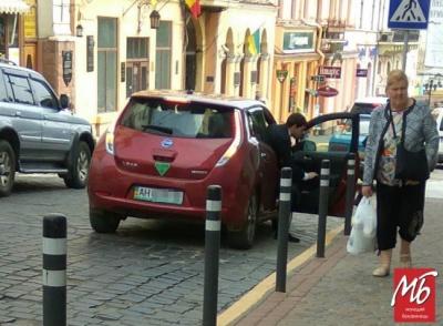 Депутат Ілюк, якого висадили на «зебрі»: це було таксі