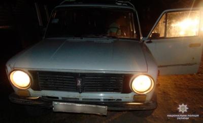 Вкрав авто, поки власник був у магазині: на Буковині поліція затримала 21-річного зловмисника