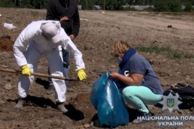 """ЗМІ: Власника """"Гаврилівських курчат"""" затримали за організацію пташиного могильника"""