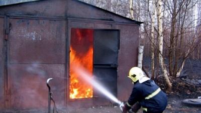 На Дніпрі внаслідок пожежі згорів чоловік у гаражі