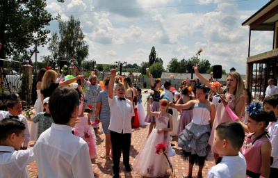 На Буковині для діток з особливими потребами влаштували бал