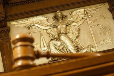 У закон про Антикорупційний суд таємно внесли правку