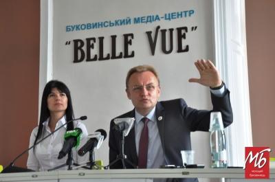 У Чернівцях Садовий закликав депутатів міськради більше працювати з ЄБРР