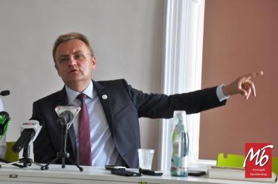 Садовий побачив проблему у процесі відкликання депутатів у Чернівцях