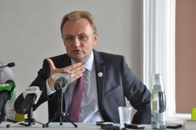 Садовий розкритикував тезу депутатів Чернівецької міськради про «кредитне ярмо»