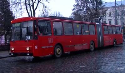 У тролейбусному управлінні Чернівців пояснили, чому не їхали тролейбуси