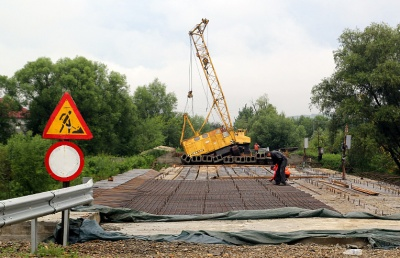 «Це така технологія»: у Сторожинці заперечили інформацію про обвал моста