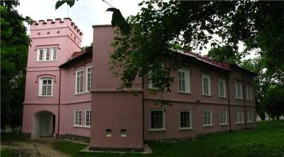 Невідома Буковина: романтичний замок Вільбур з «Алеєю закоханих»