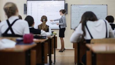 Коштів на парти вистачає. Головна освітянка Буковини висловилась проти поборів у школах