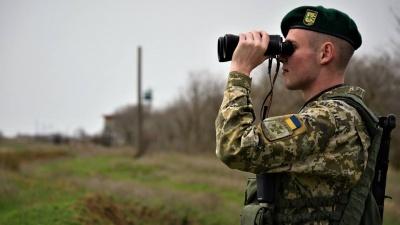 Бунт на кордоні: на Буковині невідомі блокували роботу ДПСУ, є поранений