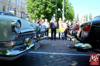 У Чернівцях до Дня Конституції пройде парад автомобілів