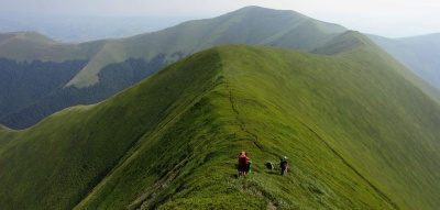 Поїздки на Говерлу і грязьовий вулкан: екскурсії вихідного дня, які організовують із Чернівців