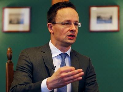 Глава МЗС Угорщини: Війна з Росією не виправдовує порушення прав угорців