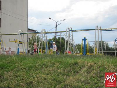 У Чернівцях на Гравітоні будують спортмайданчик за 1,5 млн грн - фото