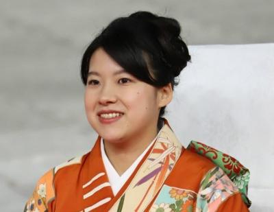 Японська принцеса відмовилась від королівських титулів задля шлюбу з простолюдином