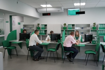Водійські права за 20 хвилин: у Глибокій презентували новий сервісний центр МВС - фото