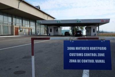 На «Порубному» митники затримали фуру з автозапчастинами на понад 2 млн грн