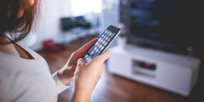 У Чернівцях затримали жінку, яка вкрала в ТЦ мобільний телефон