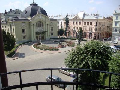 Одні з найдорожчих: де і за скільки купують житло в Чернівцях